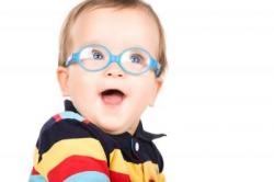 Imagine Si in cazul copiilor mici este util un control oftalmologic de rutina?