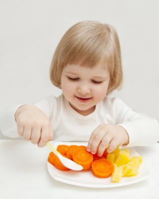 Cum sa imi conving copilul sa manance legume?