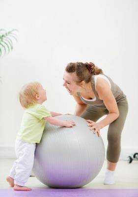 Sfaturi de jocuri si stimulare pentru copii mici