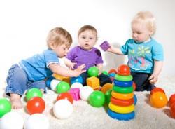 Imagine Cum să ȋi dezvolţi copilului tău abilităţile de socializare?